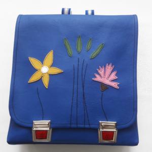 Schulrucksack mit Blumen blau